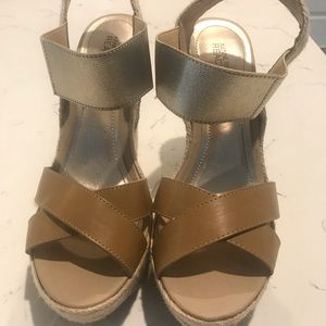 Kenneth Cole Beaded Wedges